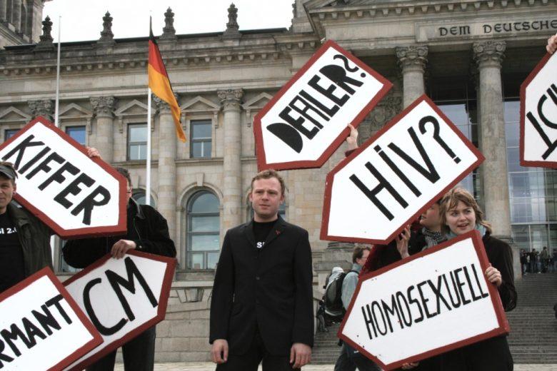 Kritik an der Vorratsdatenspeicherung vor dem Reichstag (CC-BY ozeflyer)